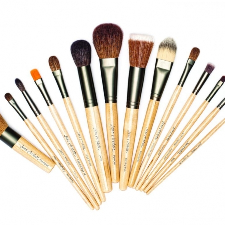 Photo of Jane Iredale Brushes